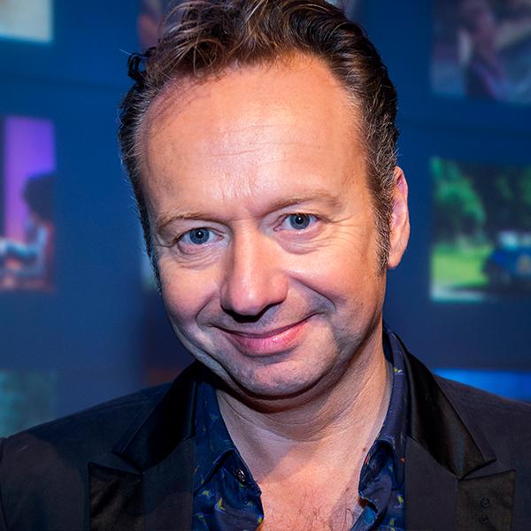 Joris Linssen <span>tv-presentator, zanger en liedjesschrijver</span>